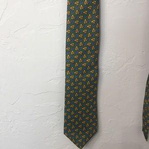Brooks Brothers 346 green pure silk tie.